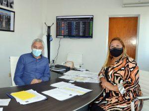 El intendente Cagliardi junto a la presidente del HCD, Vanesa Queyffer